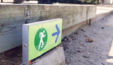 Cartel que indica un espacio habilitado para correr